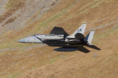 Aviation Photography low level flying